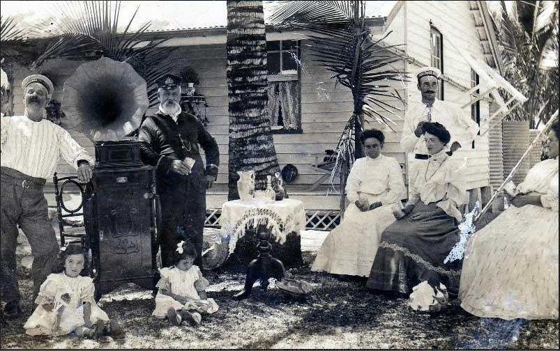 20-Christmas-1904-Lighthousekeepers-