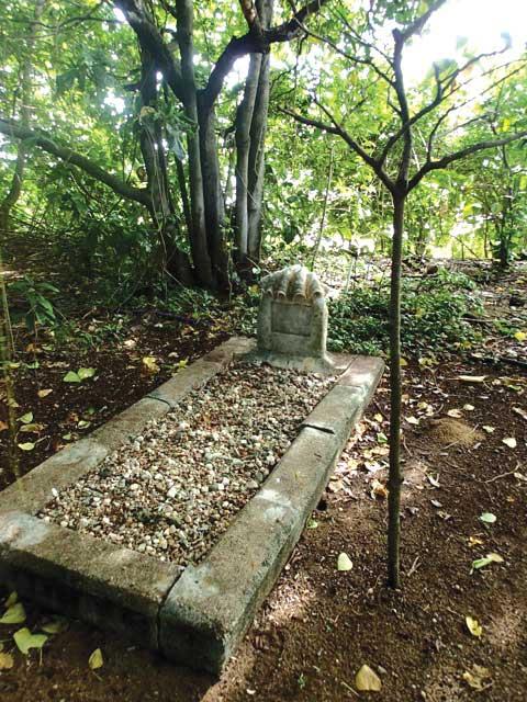 Grave-low