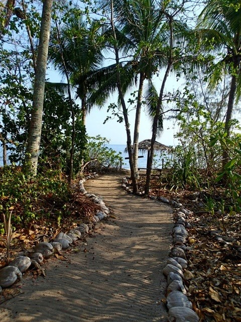16 Island Heritage Walk